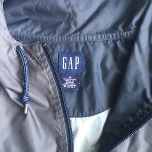 Gap mans windbreaker size M